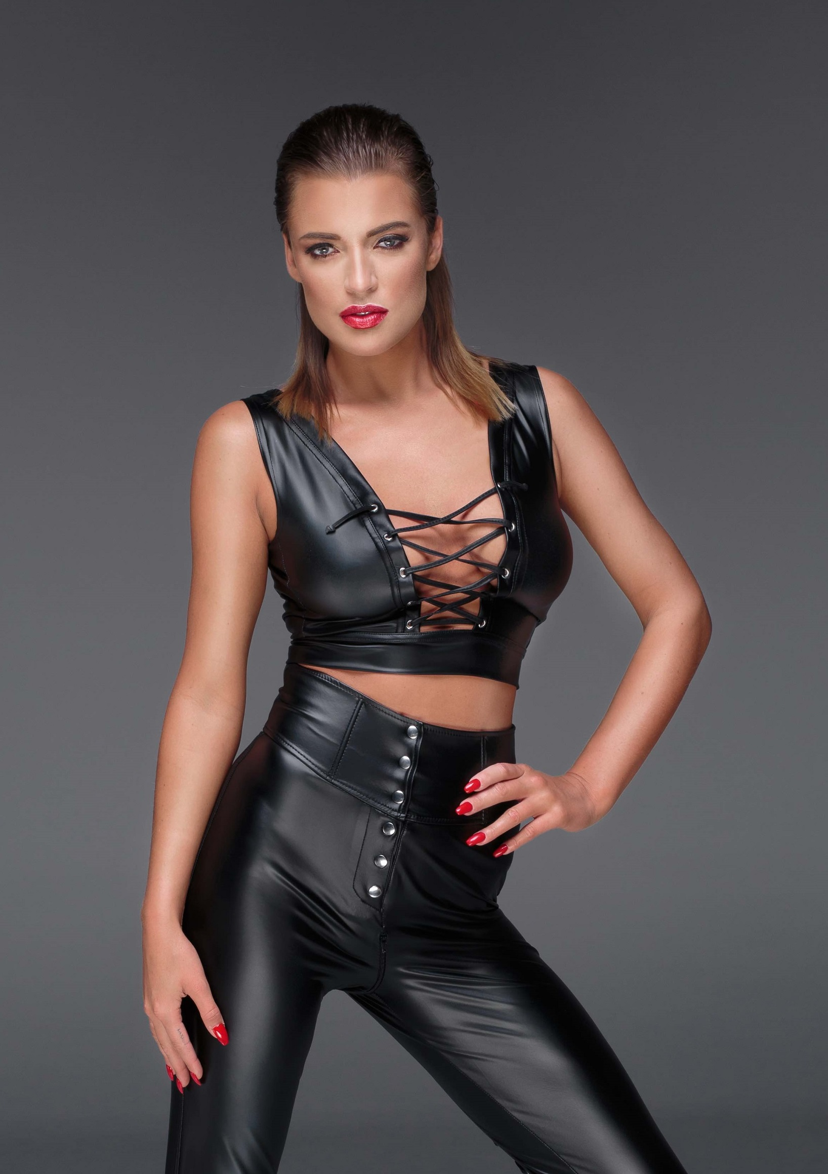 wetlook top met vetersluiting noir handmade